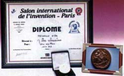 "1989: 101 Serie gewann Goldpokal bei der 80. Messe ""Salon International de l'Invention"" (Internationale Erfinder-Messe) in Paris."
